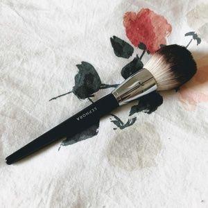 Sephora PRO Featherweight Powder Brush #91
